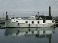 luxemotor dutch barge 40ft 5 Berth Houseboat