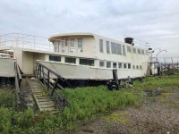 Amazing Venue with Houseboat Potential – Rochester Queen